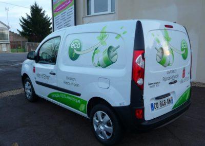 Décor adhésif véhicule électrique de la commune d'ETAIN