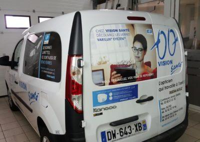 Décor adhésif véhicule léger entreprise VISION SANTE