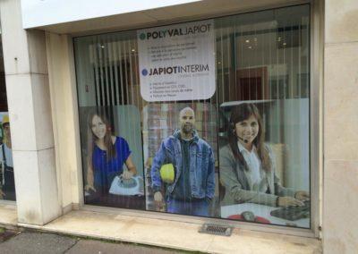 Décor de vitrine adhésif entreprise Polyval Japiot